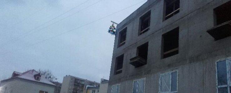 Wiecha nad nową częścią Hotelu Antares