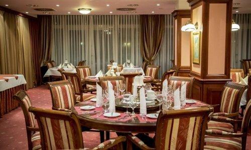 restauracja/Restauracjanoc1.jpg
