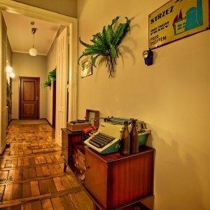 Apartamenty/Hotel-Stare-Kino-Korytarz-PRL.jpg