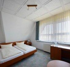 Zimmer/DZ-02-2500.jpg