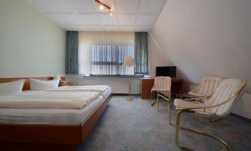Zimmer/DZ-04-2500.jpg