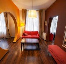 lounge4_02w.jpg