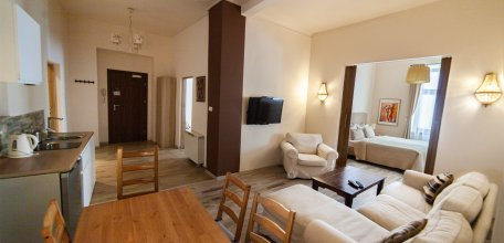 lounge2_02w.jpg