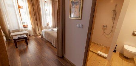 lounge5_02w.jpg