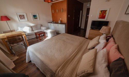 lounge11_02w.jpg