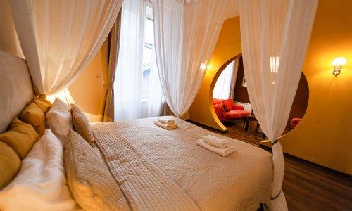 lounge4_01w.jpg