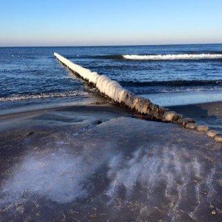 Zimowa kąpiel dla zdrowia, czyli zlot Morsów w Mielnie