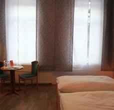Zimmer/Zimmer-8-03.JPG