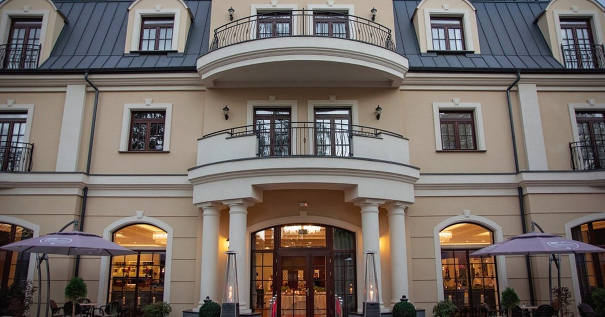 Hotel Dąbrówka