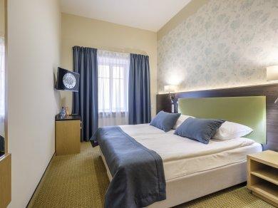 Pokój dwuosobowy typu Superior z  1  lub  2   łóżkami
