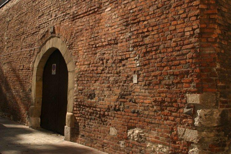 Lato/Reformacka-mur19.9.20051_s.jpg