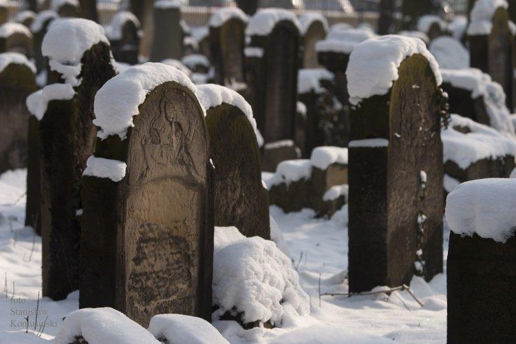 Zima/CmentarzydowskiCRW_0680.jpg