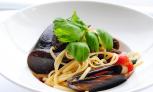 Linguine-z-mulami-pomidorki-koktajlowe-czosnek-bazylia.png