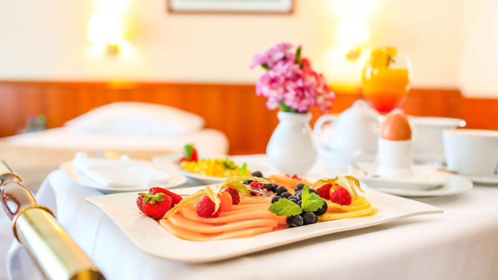 hotel/sniadanie-belweder-hotel-pokoj-ustron.jpg
