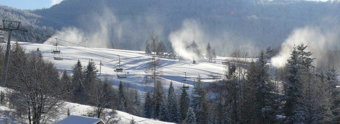 Przygotowanie stoków - wyjazd z rodziną na snowboard