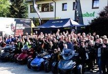 Mehr als 60 motorisierte Dreiräder in der Rhön unterwegs