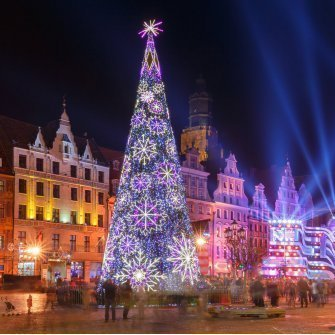 FEEL THE MAGIC OF CHRISTMAS – SEE WROCŁAW LIGHT ILLUMINATIONS!
