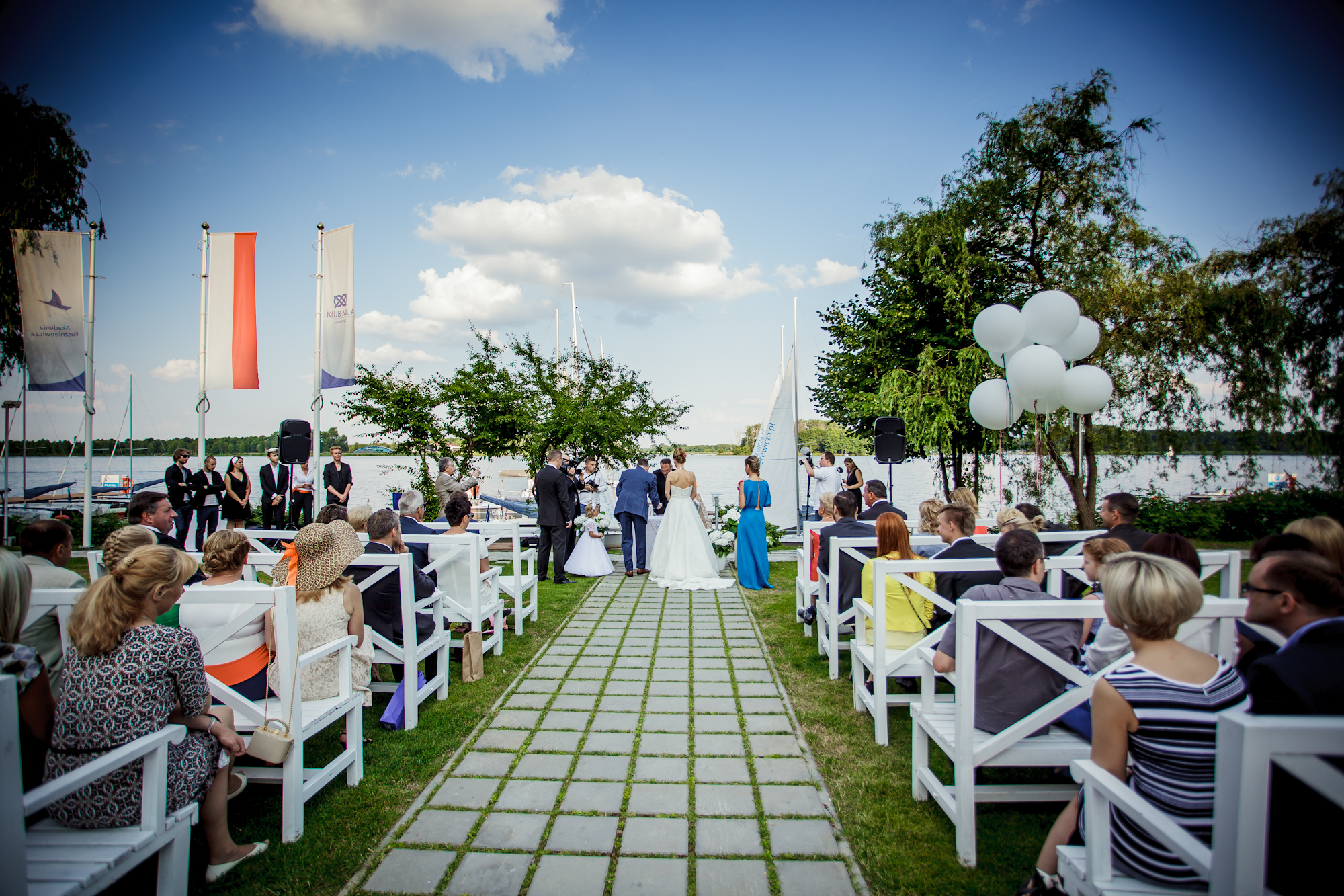 The nuptials on the lake shore