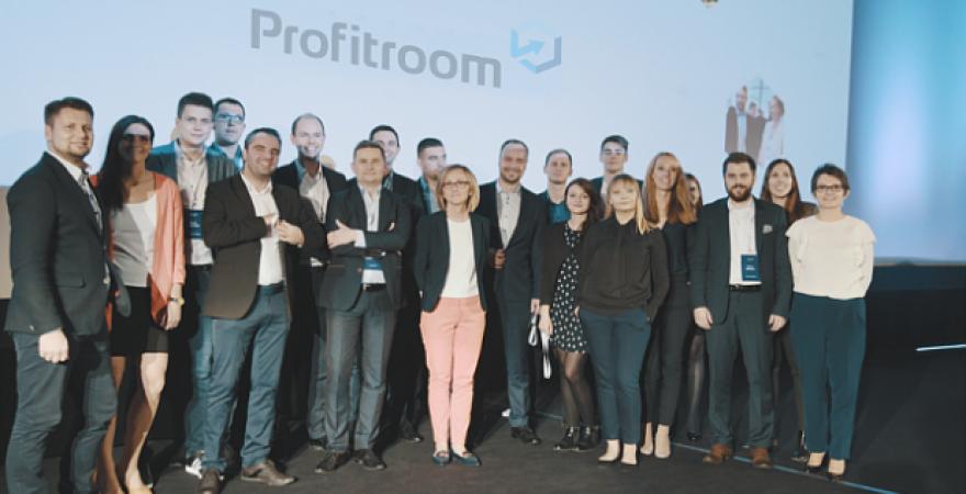 Artykuł o początkach i sukcesie Profitroom na MamStartup.pl