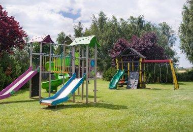 Plac zabaw – moc atrakcji dla najmłodszych gości