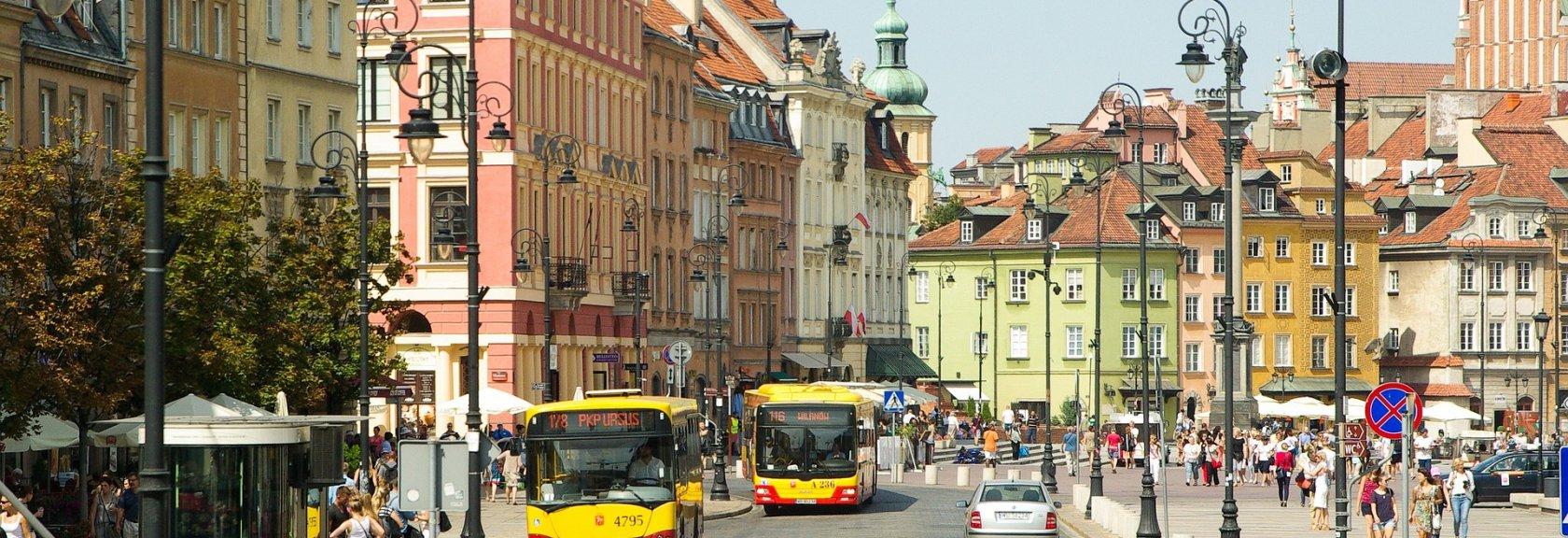 Czym po Warszawie? Komunikacją miejską, a może rowerem?