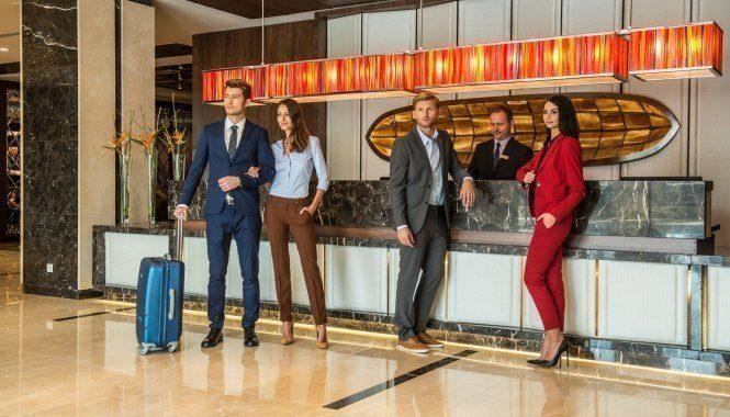 奥肯切机场酒店