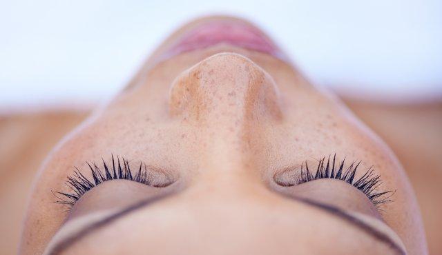 Sonderangebot:  WHITELIGHT ™ -Behandlung für alle Hauttypen