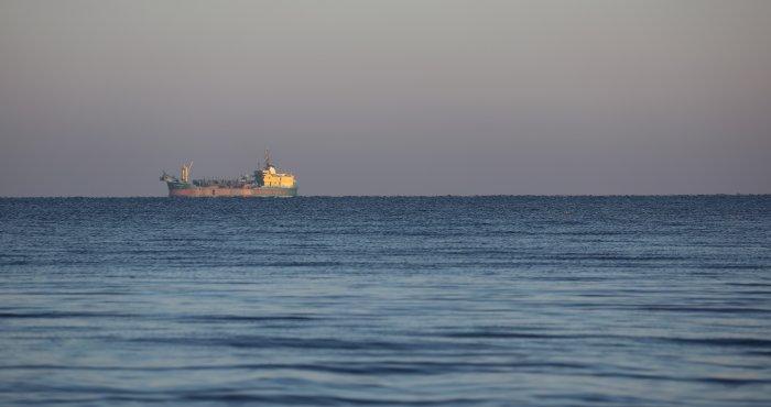 pierwszy poranny szron nad morzem