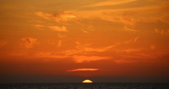 klimatyczny wieczór i zachód słońca