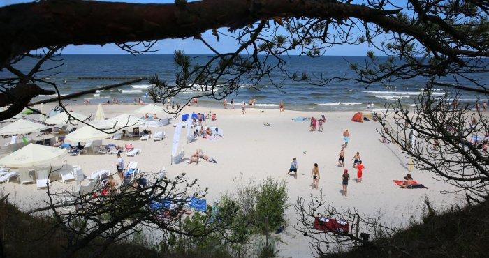 wakacyjny weekend nad morzem skąpany w słońcu