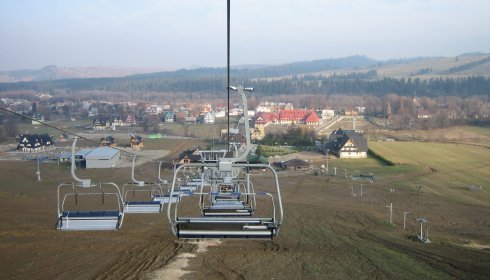 Chairlift in Bania
