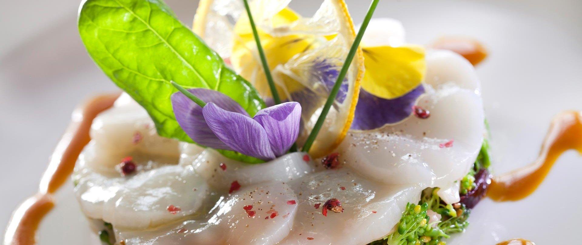 Artykuł z Kuriera Lubelskiego poświęcony unikalnej kuchni molekularnej i daniom wegańskim, których można skosztować tylko w Restauracji Hotelu AGIT.