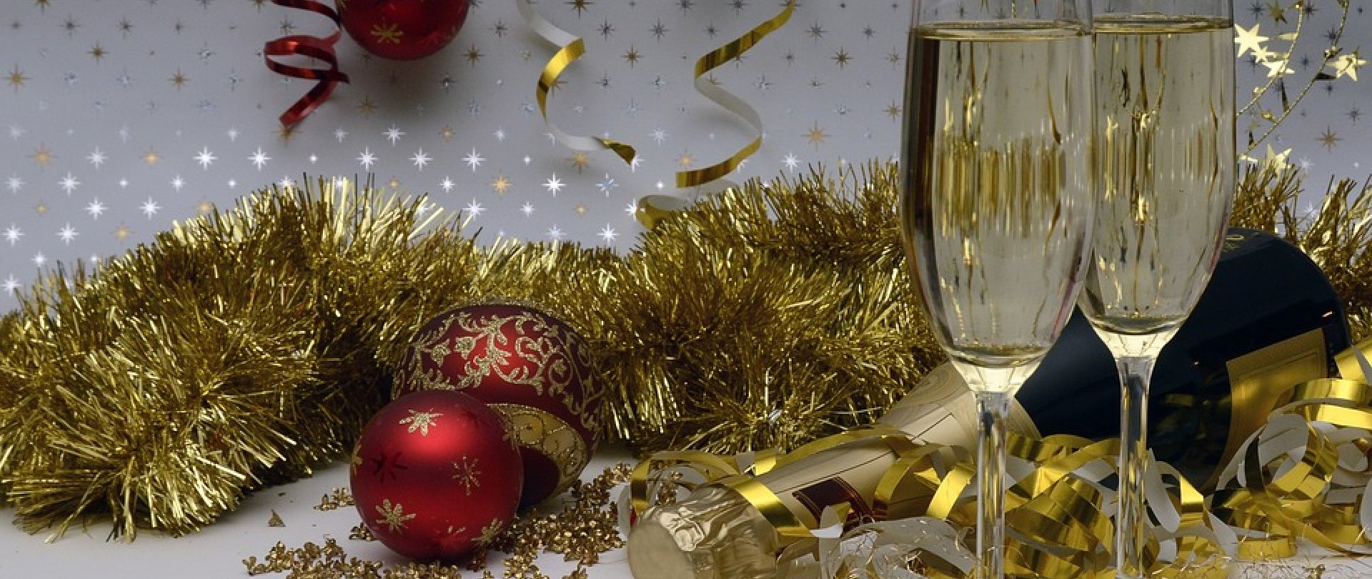 8 reasons you should hold a Christmas Party