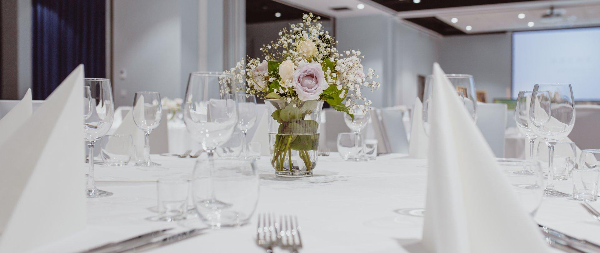 Małe Spotkanie, Event, Integracja, Gala, A Może Duża Konferencja?