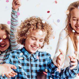 Zumba Kids; </br>Zabawa z gniotkami; </br>Kino na poduchach