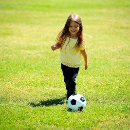 Trening piłki nożnej; warsztaty gipsowe