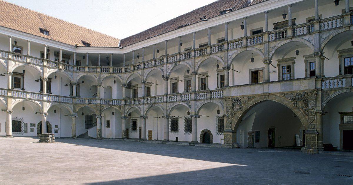 B Hotel Centrum Brzeg****