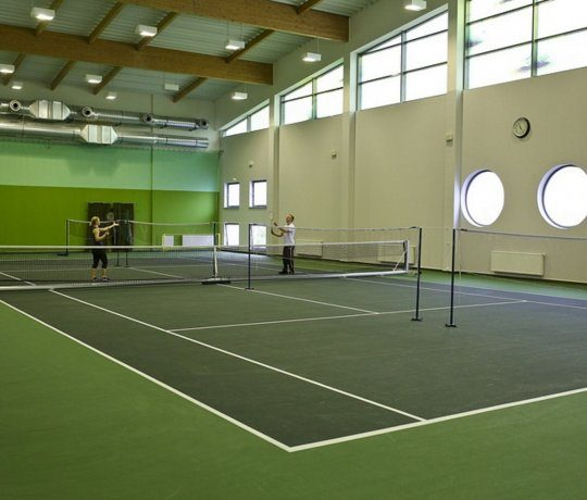 Tennis courts – 10% discount