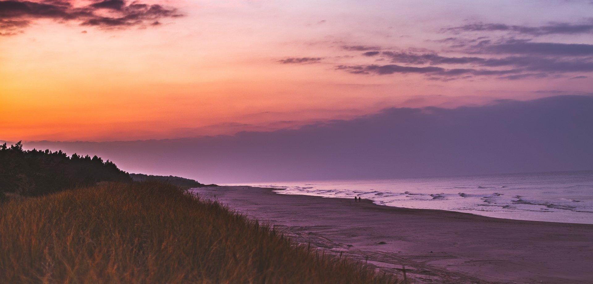 Pomysły na aktywną majówkę nad morzem – dlaczego warto odwiedzić Dolinę Charlotty?