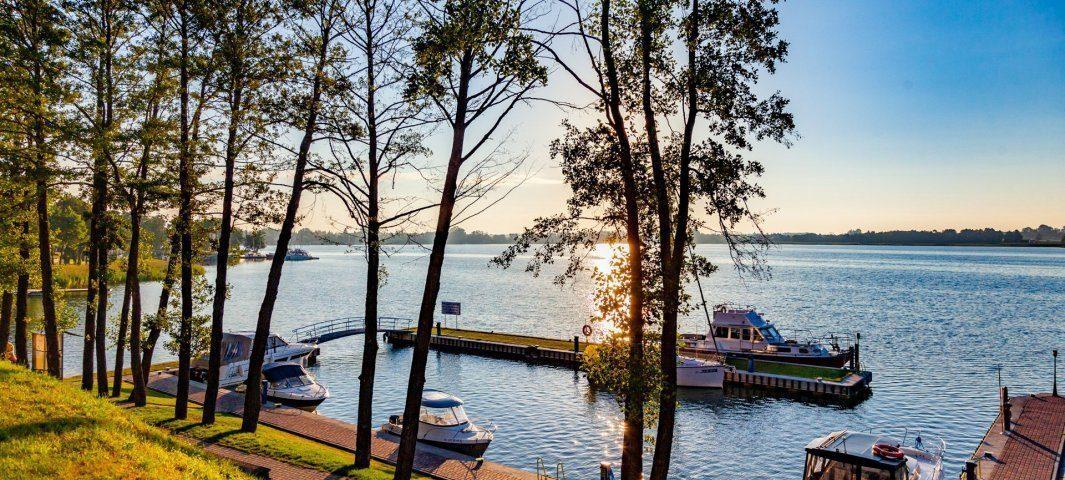 Przystań na jeziorze Tałty