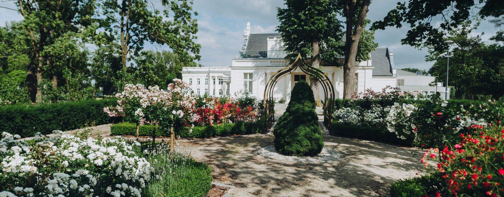Pałac Romantyczny, Turzno
