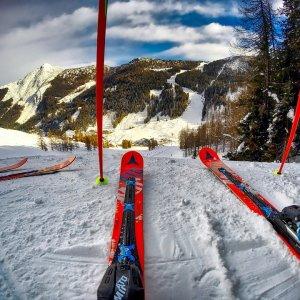 Wyjazd <br>narciarski ****