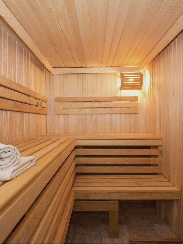 Saunas and Jacuzzis