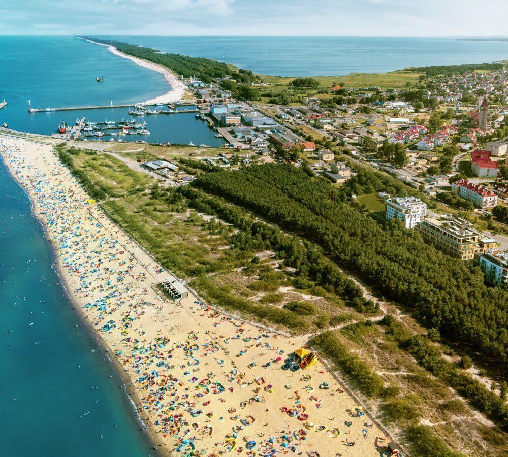 Własny park i plaża pełna atrakcji