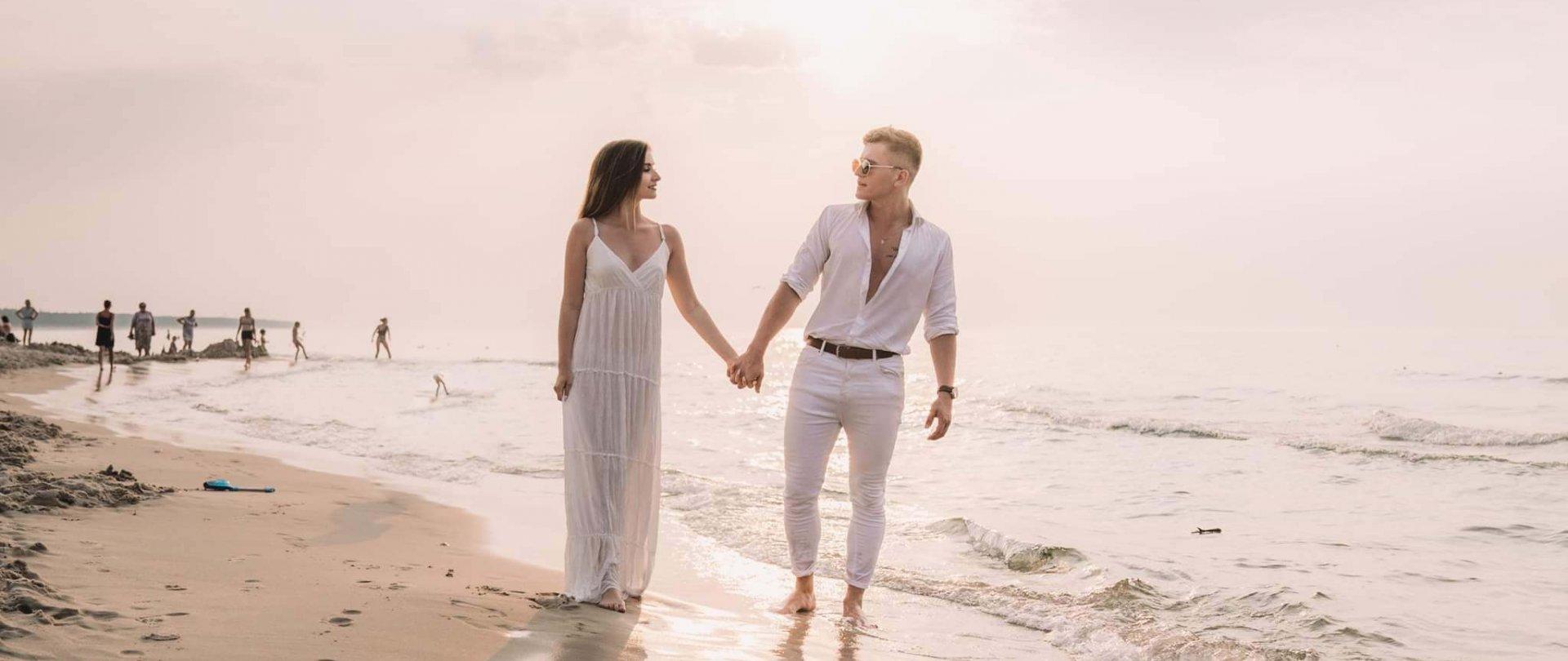 Romantycznie nad morzem. Pomysły na spędzenie weekendu we dwoje