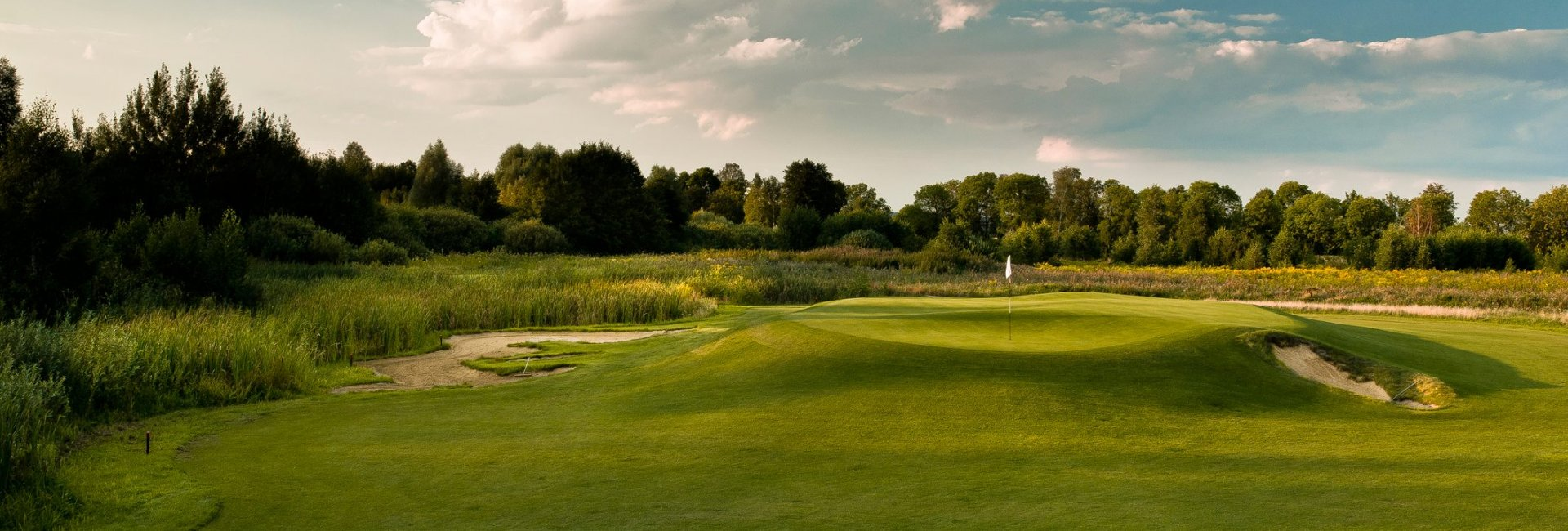 Golf – Sand Valley Golf & Country Club in Pasłęk (60 km from the hotel)