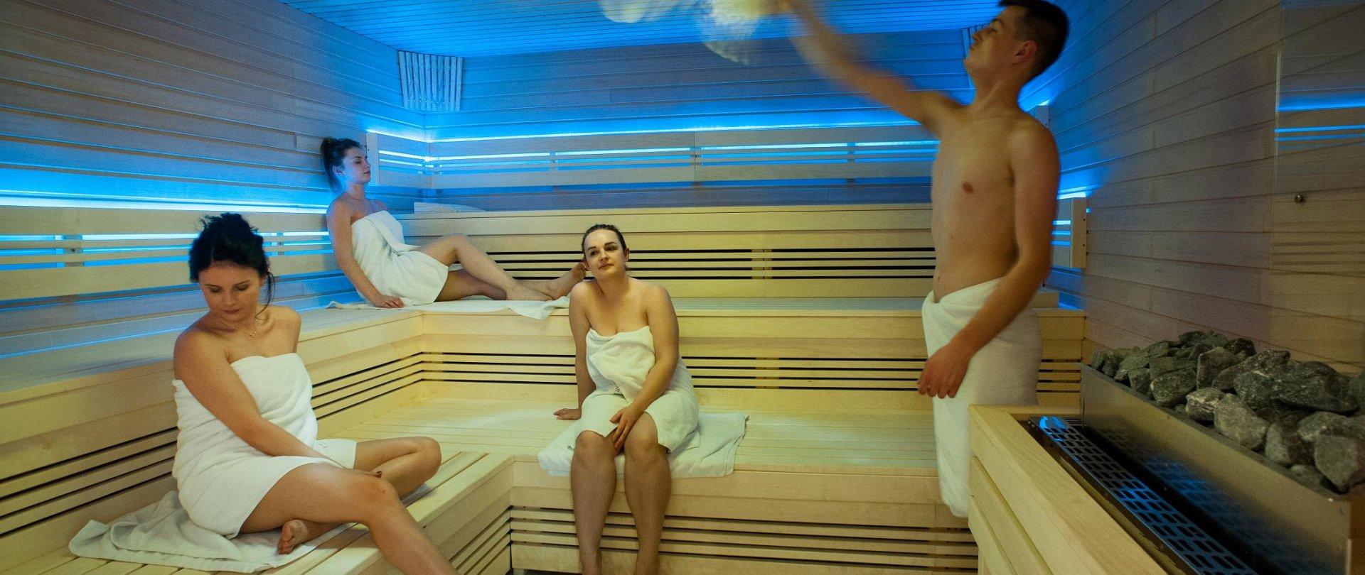 Sauna show