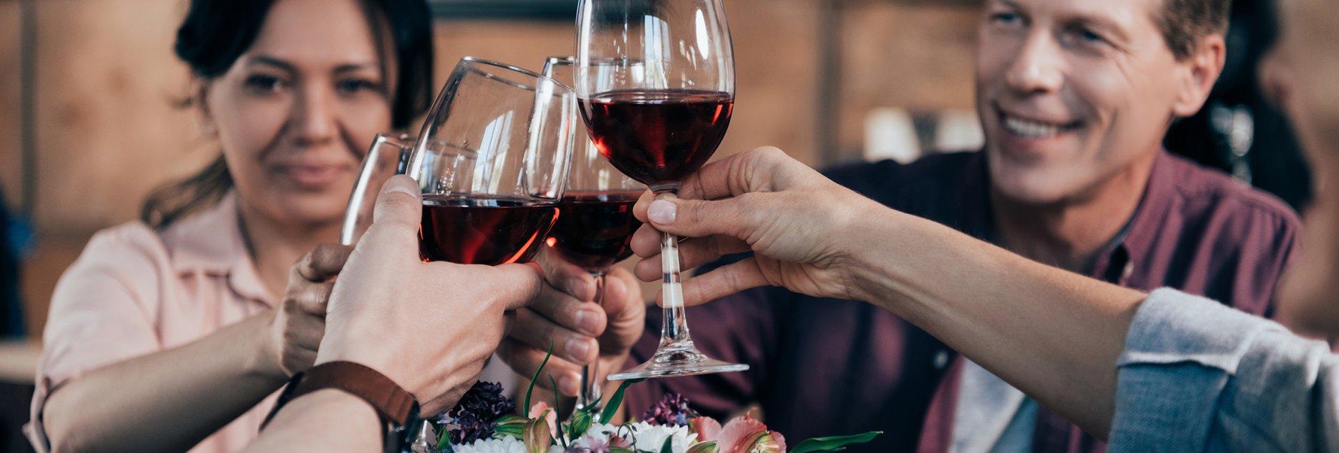 Jesienny wieczór z winem
