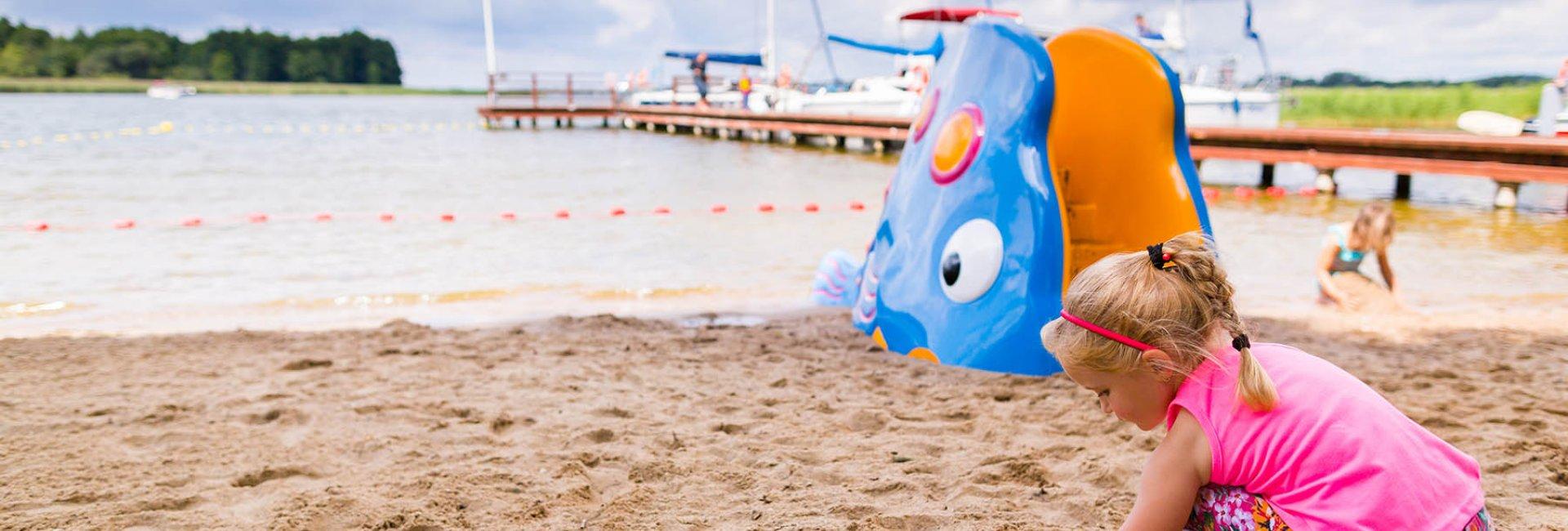 Plaża z kąpieliskiem