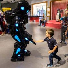 Interaktywna wystawa robotów w Lublinie.